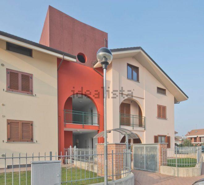 Appartamento con terrazzo in via Umberto I a Piscina