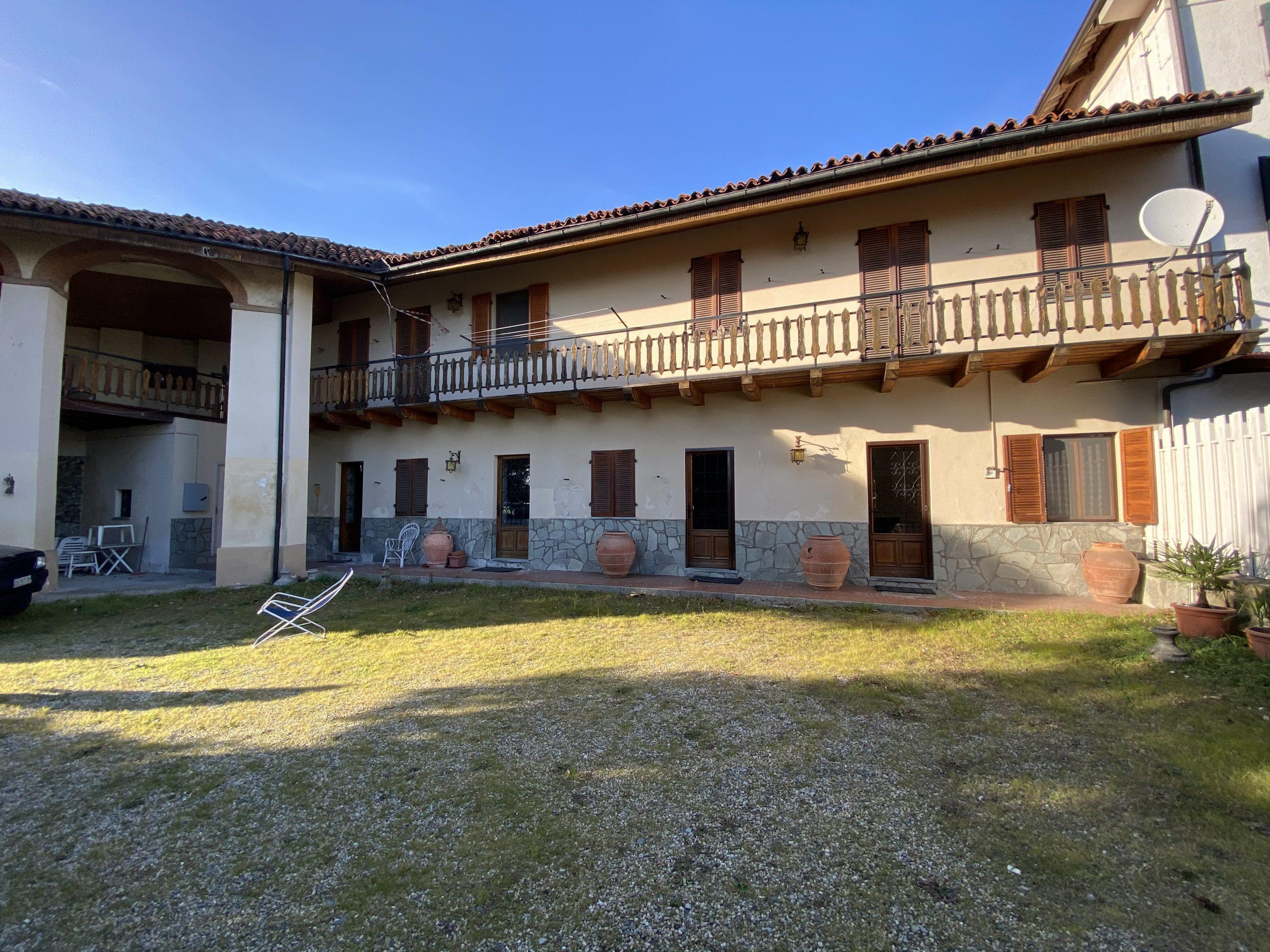 Casa indipendente libera su 3 lati sulla collina di Pinerolo