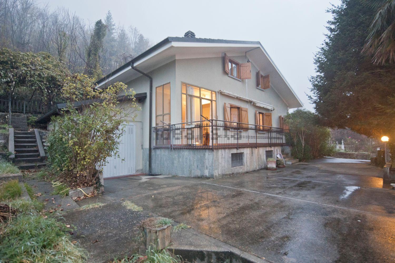 Villa monofamiliare con ampio giardino con splendida vista panoramica