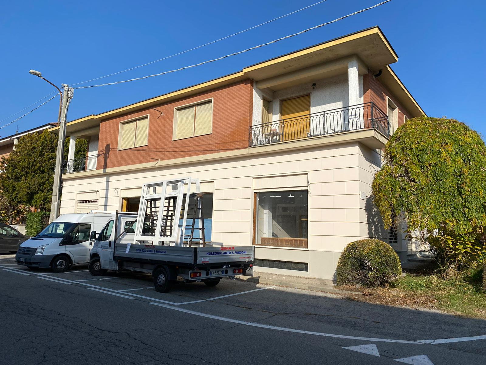 Appartamento di 240 mq ca in piccola palazzina