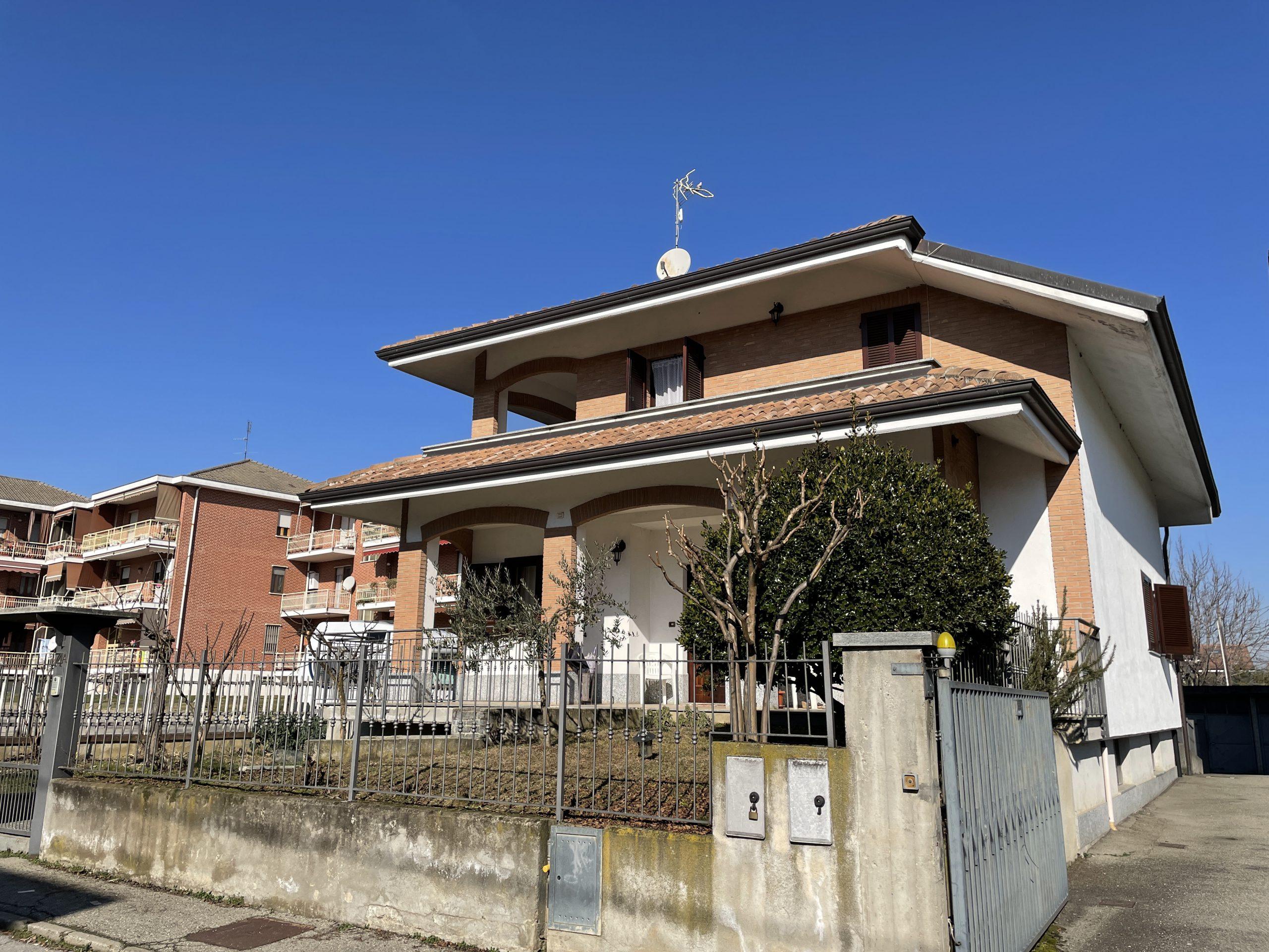 Ampia villa unifamiliare in centro Airasca