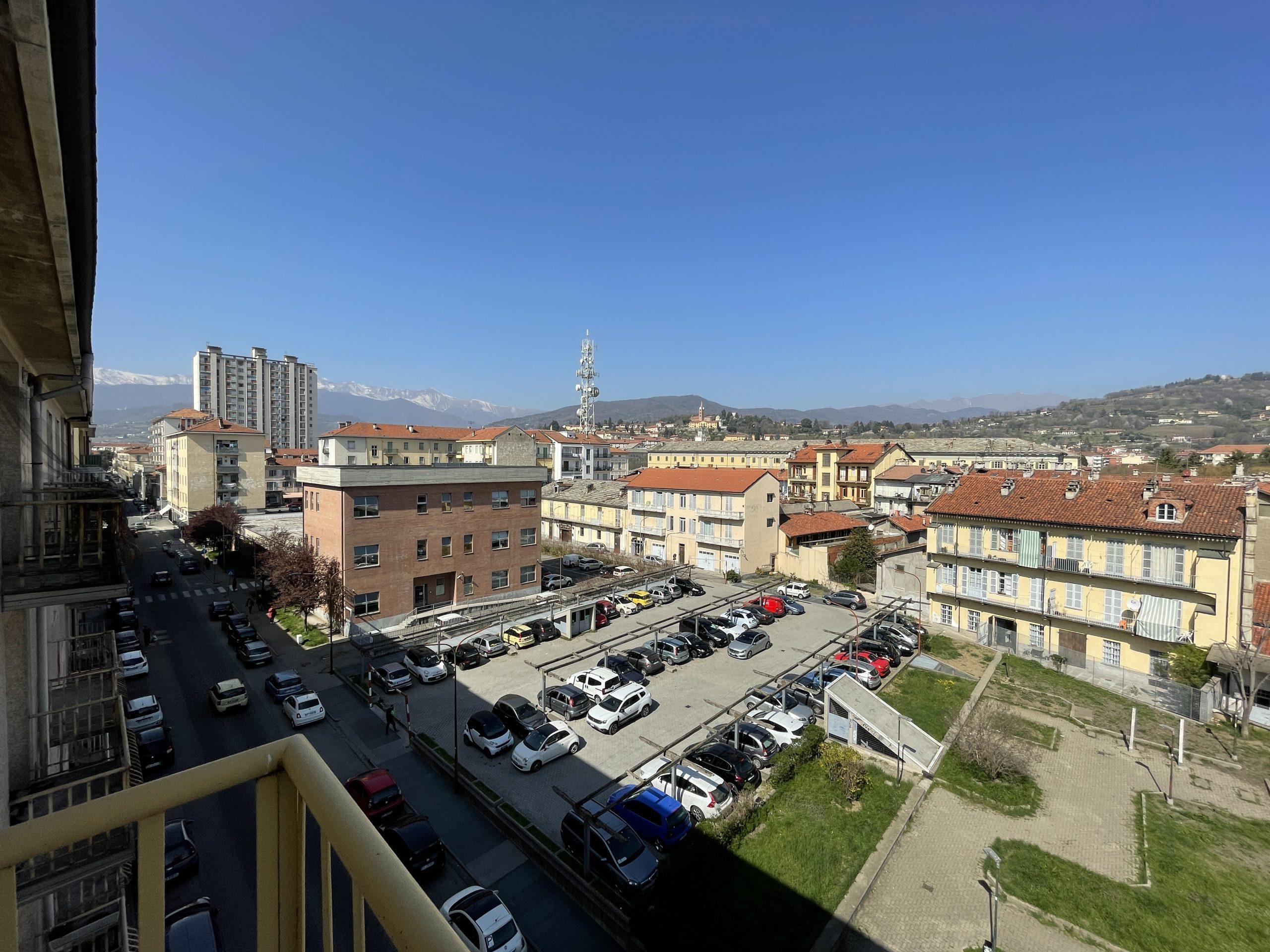 Trilocale centrale con vista panoramica