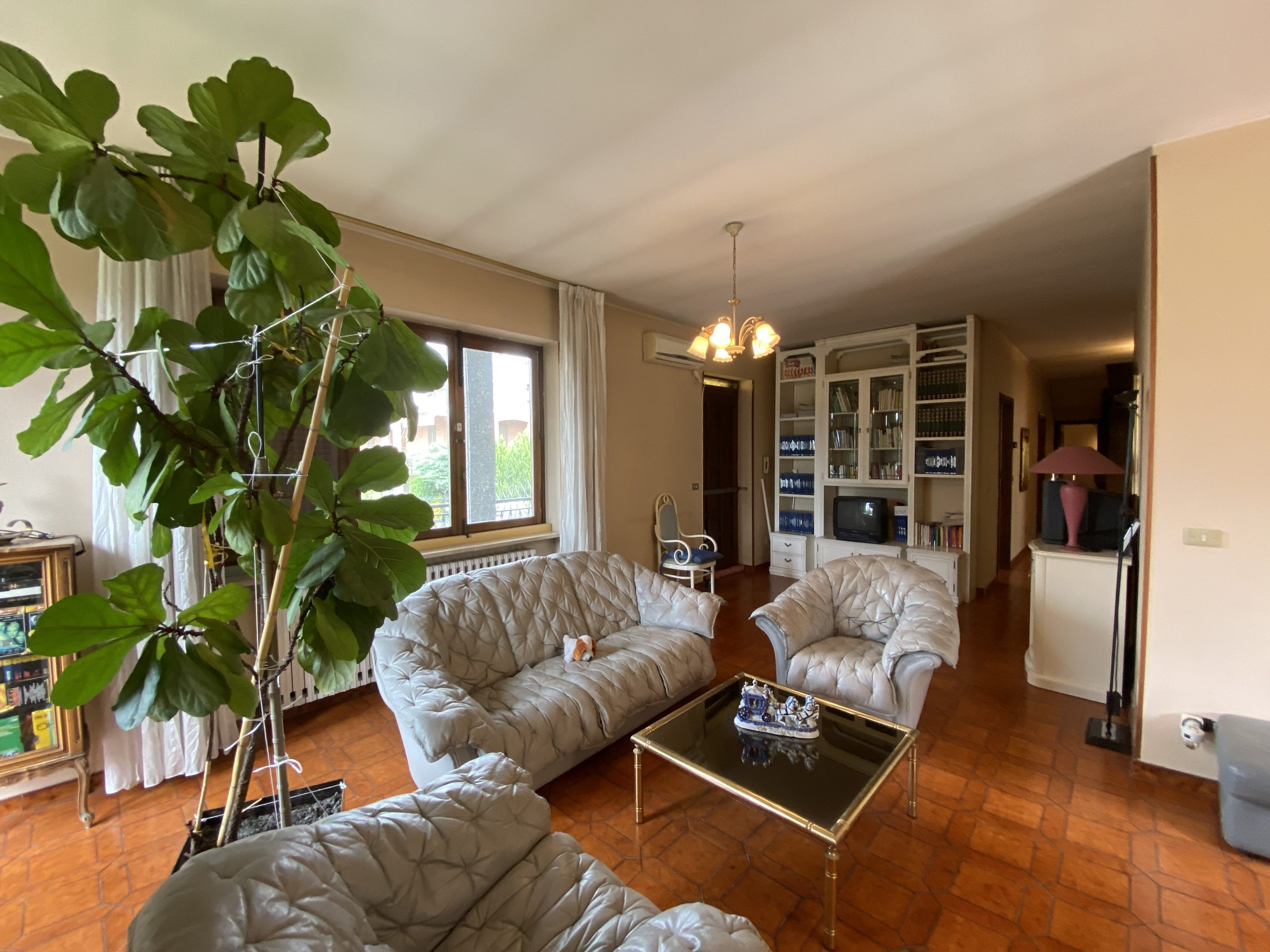 Villa semindipendente residenziale e ben collegata