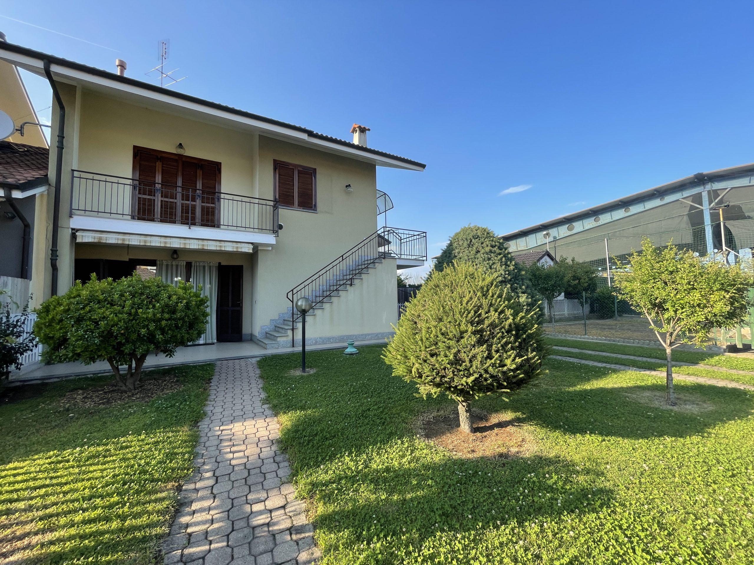 Appartamento in villa a piano terra con giardino